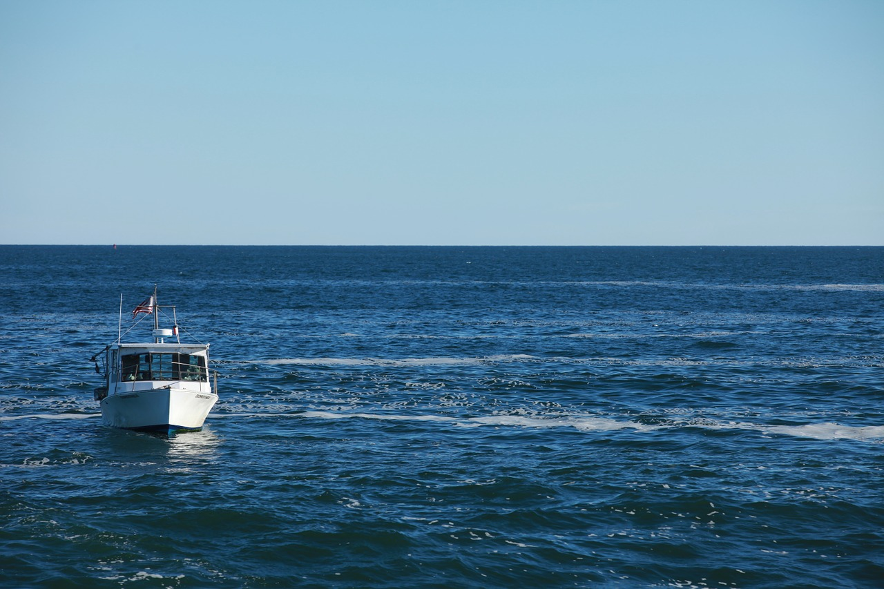 boat-1209374_1280.jpg