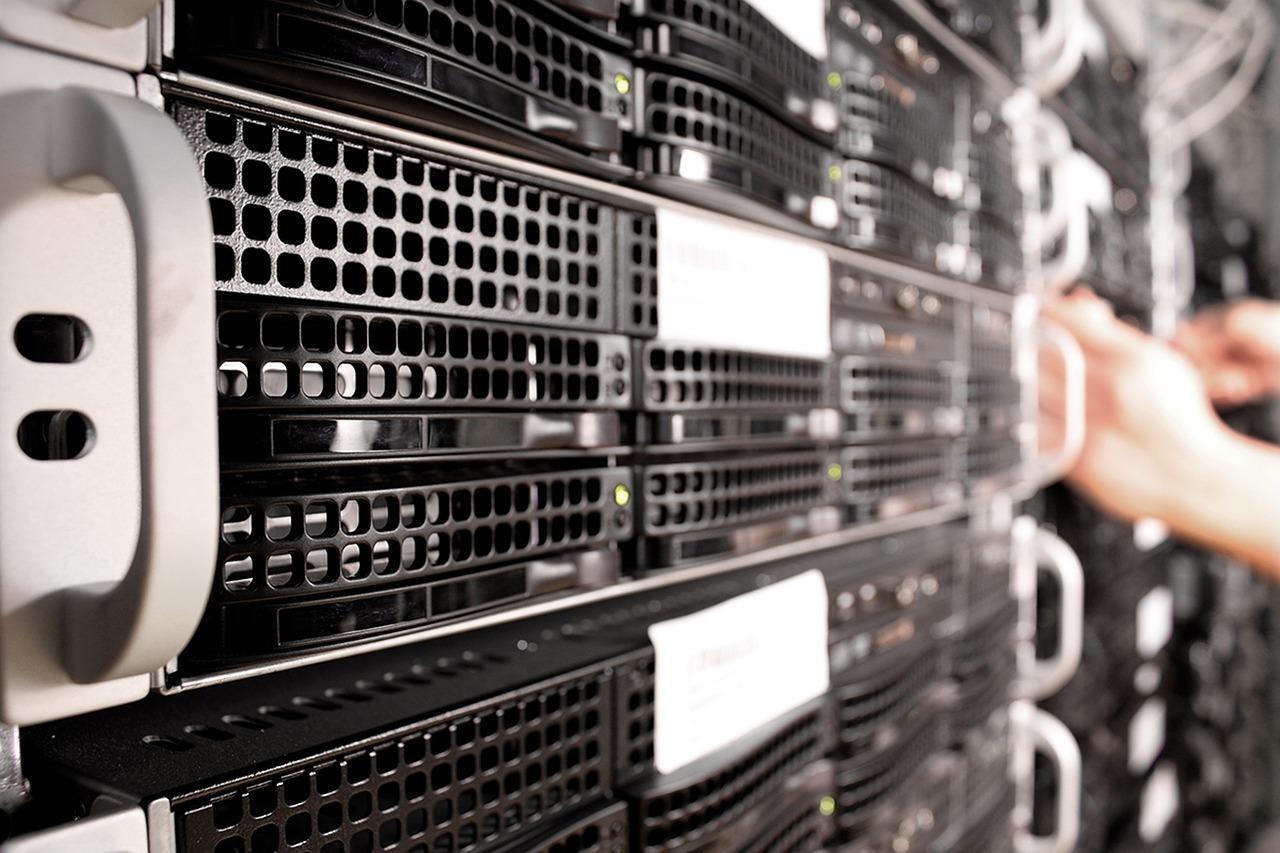 server-colocation-data-center.jpg