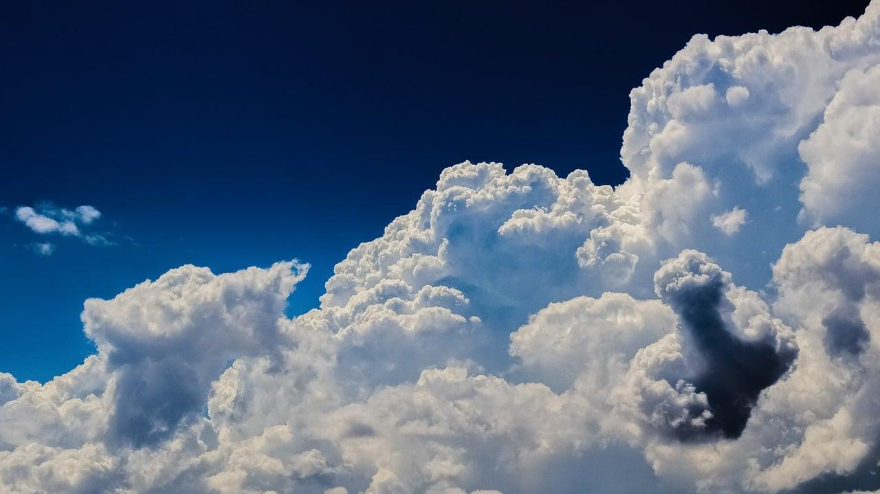 clouds-2329680_1280