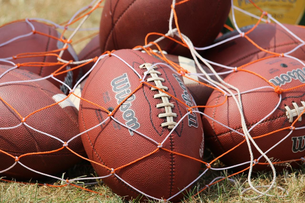 football-2372422_1280.jpg