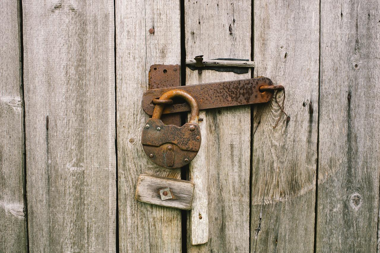 locker-820088_1280.jpg