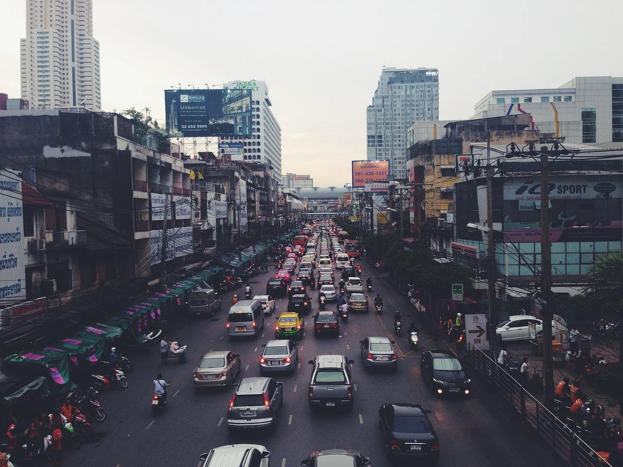 traffic-jam-388924_1280.jpg