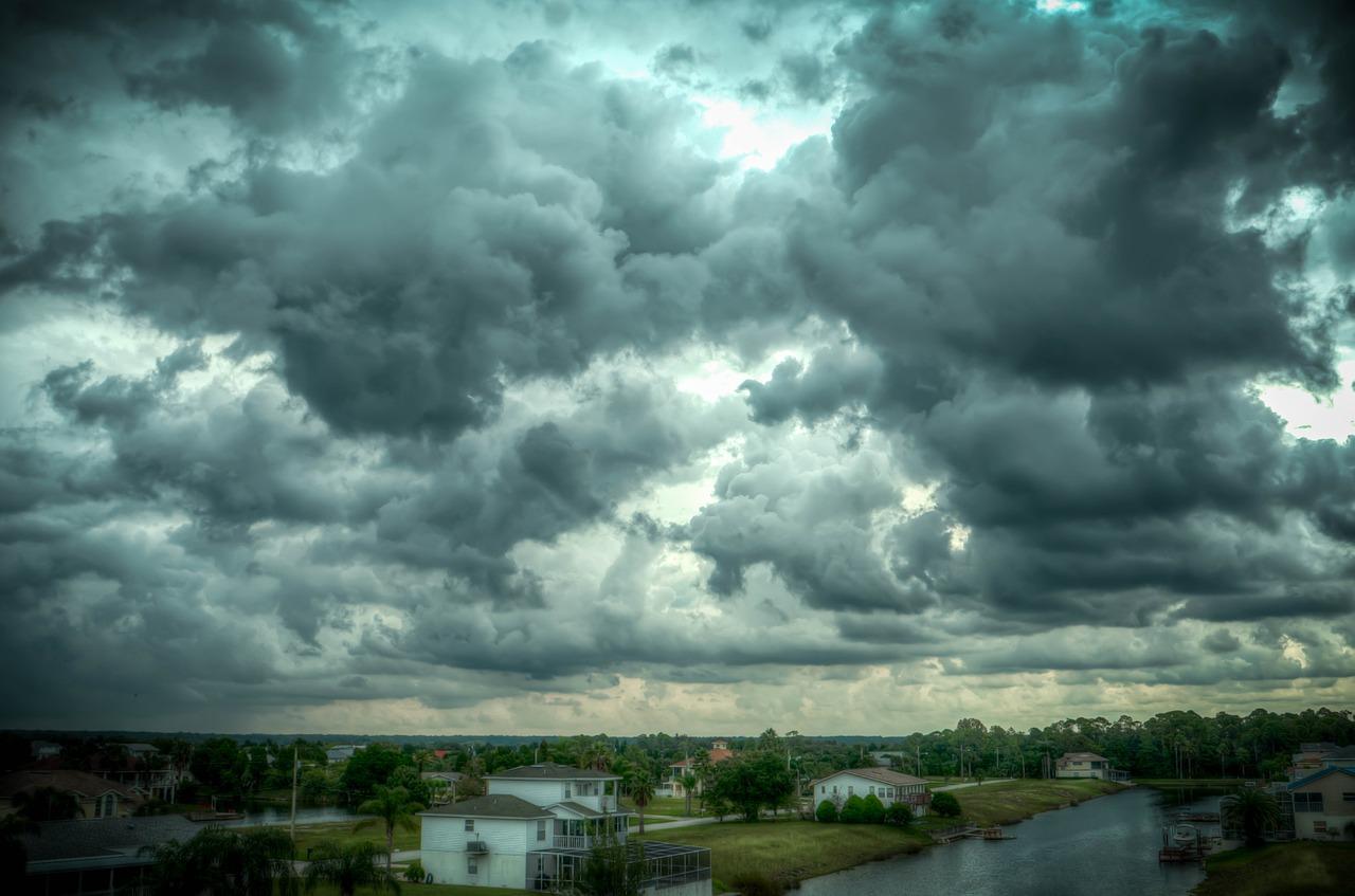 storm-466677_1280
