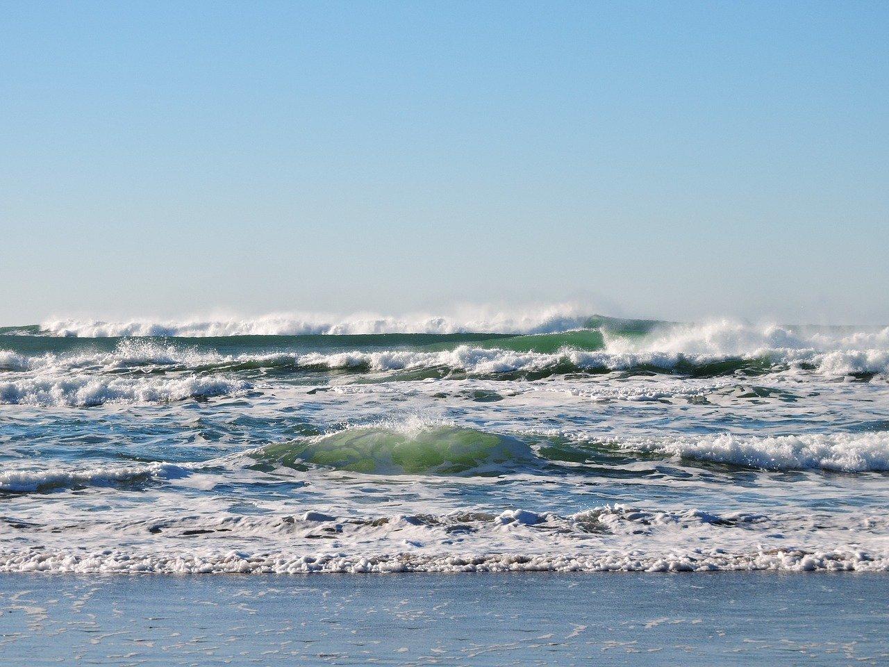 beach-1204401_1280-1
