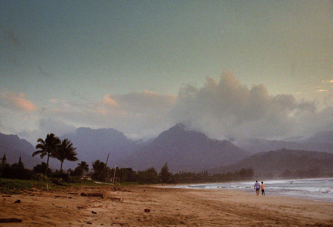beach-5569112_1280