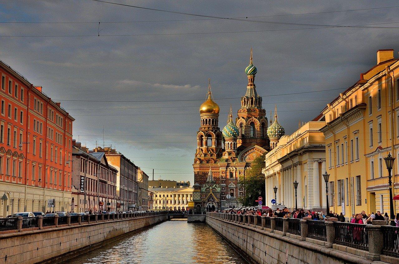 st-petersburg-russia-3747214_1280